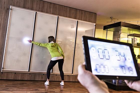 ReflexLux Trainingswand mit App steuerbar
